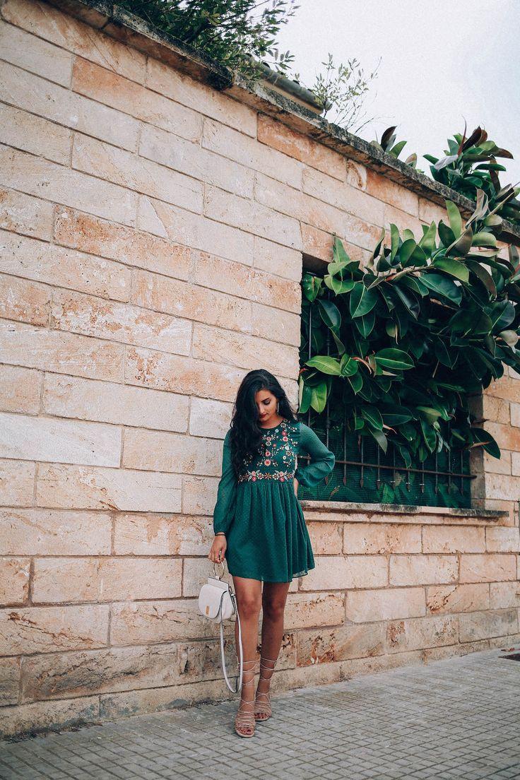 besticktes-Kleid-merna-mariella-fashion-blogger-blog