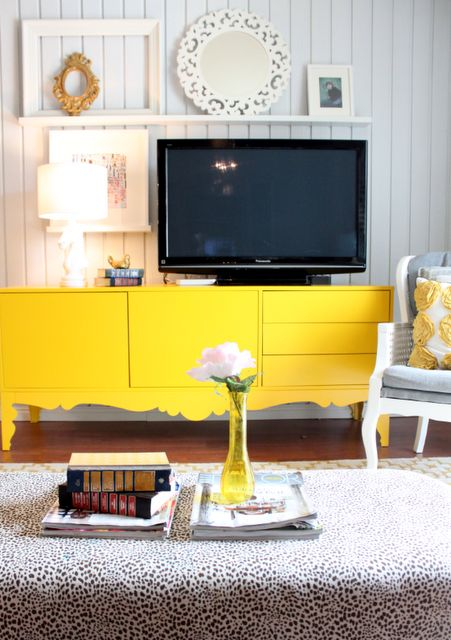 Pretty!!: Tv United, Idea, Living Rooms, Pop Of Colors, Tv Wall, Tv Consoles, Yellow Cabinets, Wall Display, Tv Decor