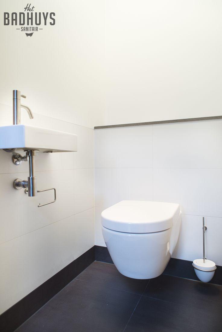 Modern toilet met stucwerk en tegels | Het Badhuys Breda