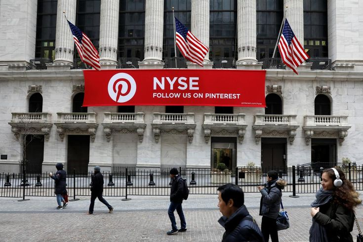 Pinterest hires former Google executive as its first COO    (Reuters) - Photo pin-up website Pinterest on Tuesday appointed Francoise Brougher, a former executive at Alphabet Inc, as its first chief operating officer.   http://feeds.reuters.com/~r/reuters/technologyNews/~3/1eadqxHKJOo/pinterest-hires-former-google-executive-as-its-first-coo-idUSKCN1GB2DY