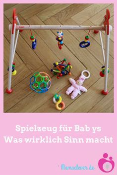 Geschenkideen für Babys unter einem Jahr: Mit diesem Spielzeug können schon die Kleinsten etwas anfangen.