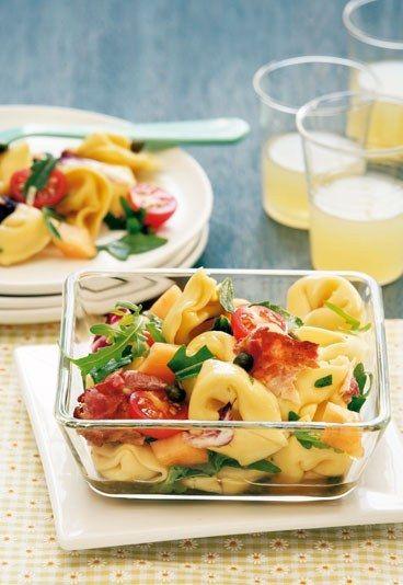Tortellini-Salat - Diese Rezepte bringen uns den Urlaub zurück - #eathealthy