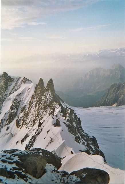 Sur l'arete Kuffner au mont Maudit (massif du mont-blanc)
