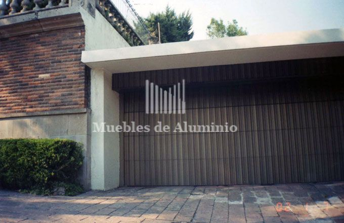Pin by edith garcia on arquitectura pinterest html for Puerta zaguan aluminio