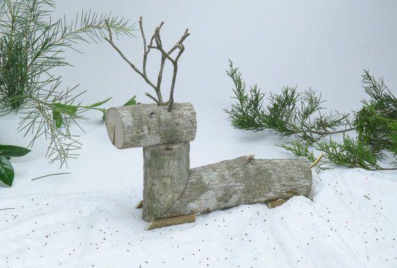 Renne en bois cerf primitif Noël Decor par RollingThunderWood