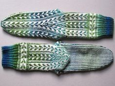 Free - pretty shaping of the pattern bands and back of heel/leg.  Ravelry: Woodruff pattern by General Hogbuffer