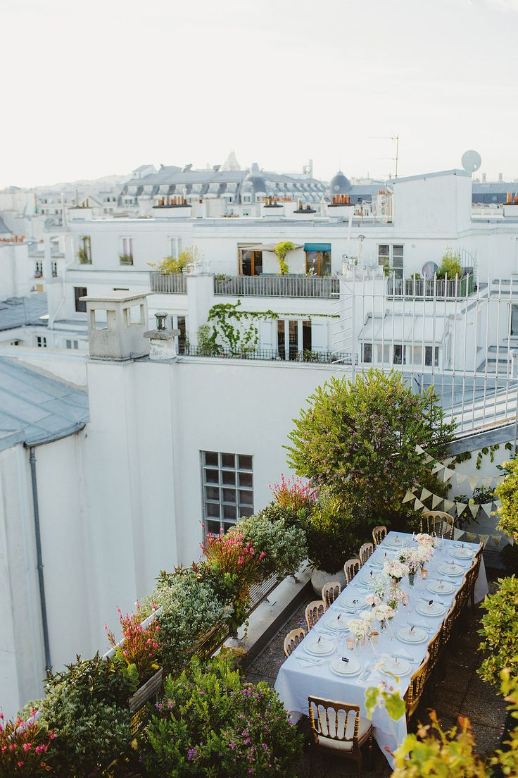 Check out this stunning intimate rooftop wedding in Paris.