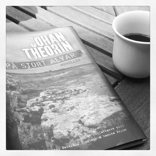 Johan Theorin - På stort alvar, en mycket trevlig bok, kanske speciellt om man har någon relation till Öland