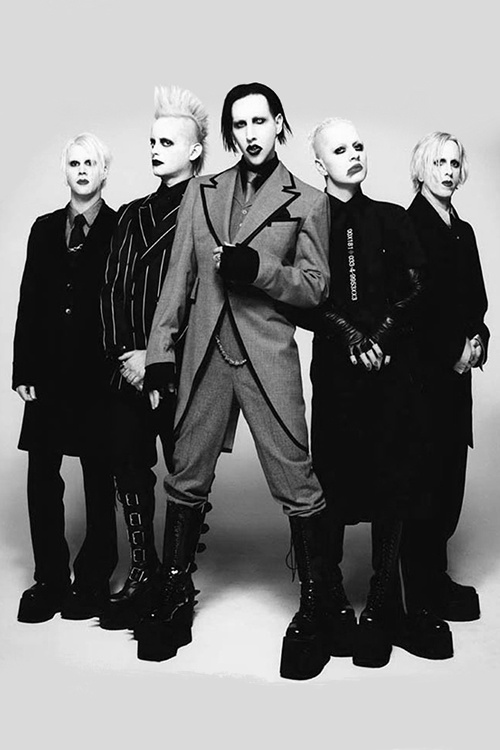 Marilyn Manson  Those freaking boots o..o