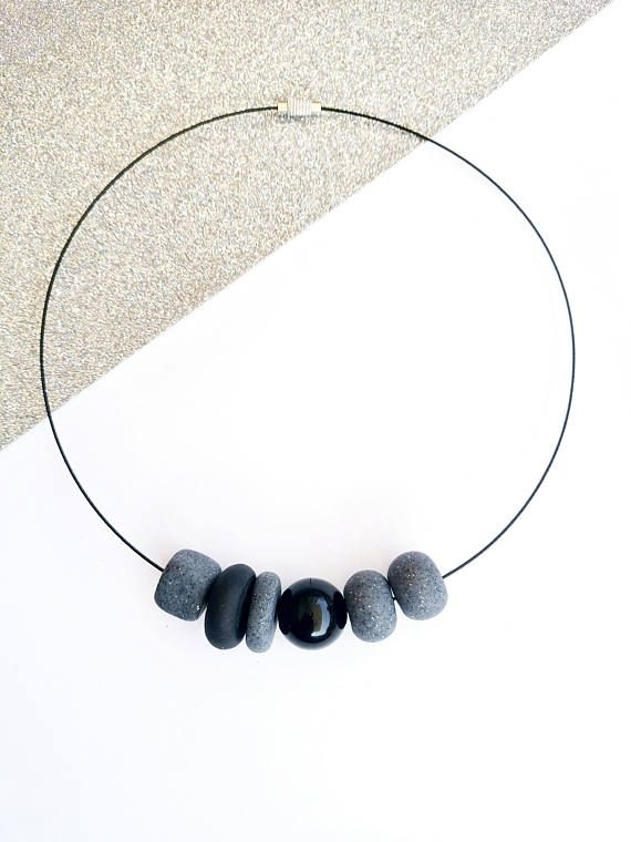 Minimalist necklace. Black and Gray polymer clay beads on black wire. By Beejoujoux