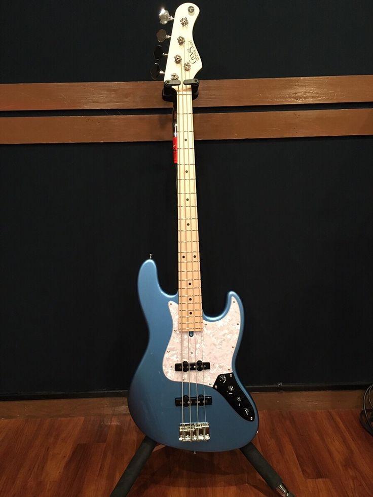 Crews Maniac SoundのベースがSOUND STUDIO NOAHにやって来た! http://book.studionoah.jp/2016/11/crews/ http://www.crewsguitars.co.jp/crews-x-studio-noah/ #studionoah #crews #jazzbass #bass #ベース