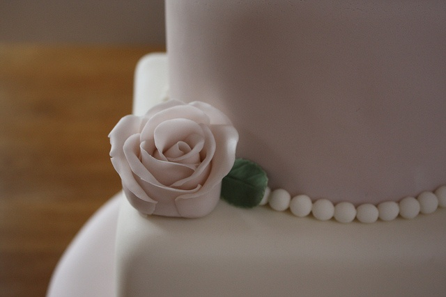 Vintage rose and pearls on 3 tier wedding cake  Flickr - Photo Sharing!