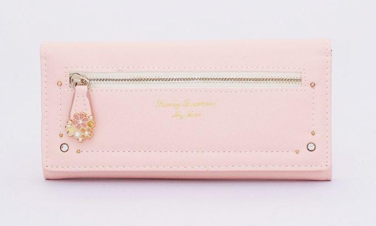 Dompet korean style. Ada 2 sap,1 koin, 4 uang besar, 6 kartu.Warna pink. Uk 19x9