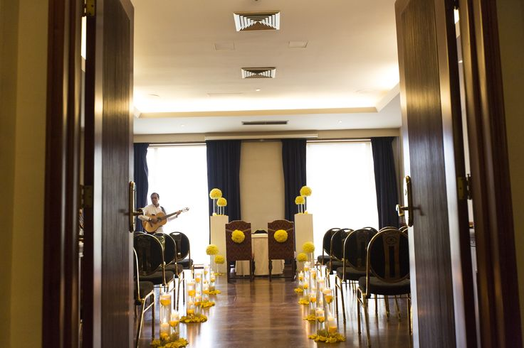un cuento de boda, boda amarillo ceremonia