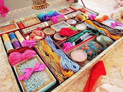 well organized thread box.. love it..