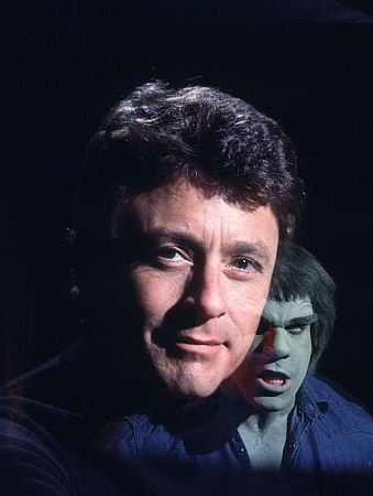 The Incredible Hulk (1978–1982)  Cast and history: http://www.imdb.com/title/tt0077031/?ref_=sr_3  Theme music: http://youtu.be/aoILzi5thYg