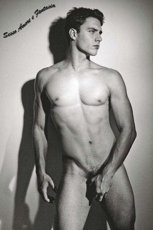 Uomo, Sesso, Passione, Desiderio, Amore, Sensualità, Erotismo, Trasgressione.