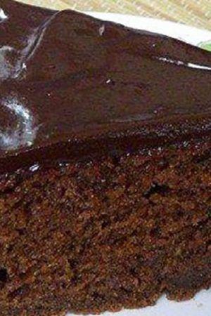Cu aceasta reteta vei avea un desert foarte gustos si pufos, chec cu ciocolata si iaurt
