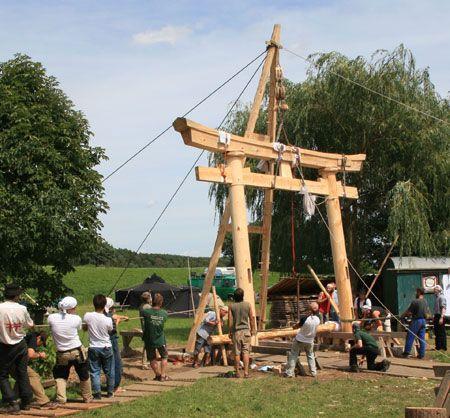 Das Torii Im Wendland Erbaut Auf Einem Internationalen Holzhandwerkertreffen Kesurokai E V Rahmenbau Holzrahmen Bau