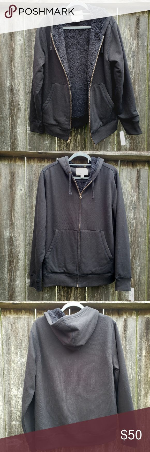 Sherpa Lined Weatherproof Vintage Hoodie MEN'S MEDIUM. Runs small so best fit for women medium and large. Looser but would work on women's sma…