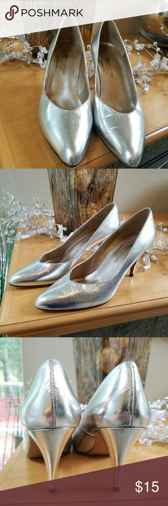 Spanish Leather Silver Metallic Heels Size 8 These Spanish Leather pumps by Sergio Zelcer are metallic silver and have a 3.5 inch heel perfect for your holiday outfits.  The uppers and heels are in great condition with just minor wear on the soles as shown. Spanish Leather Shoes Heels