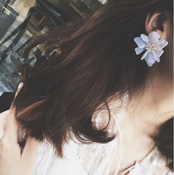 2016 Korean Fashion Statement Earrings Matching Beach Three-dimensional White Flower Small Pure And Fresh For Girls FashionED108
