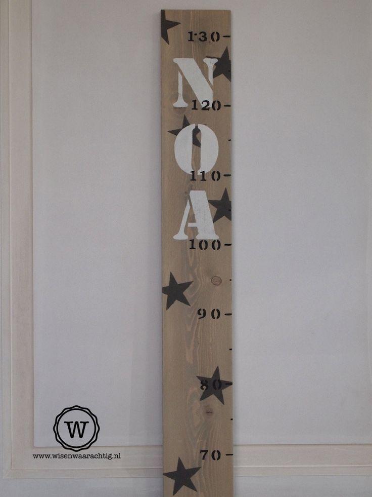 houten #groeimeter voor de #babykamer, persoonlijk #kraamkado.
