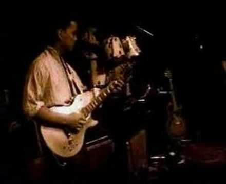 The Pixies - Hey (Live). Completely original madness.