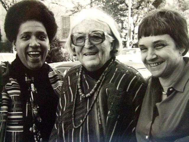 20 frases feministas sobre el poder y la libertad de la mujer: Audre Lorde (izquierda) junto a Meride Lesueur y Adrienne Rich en1980.