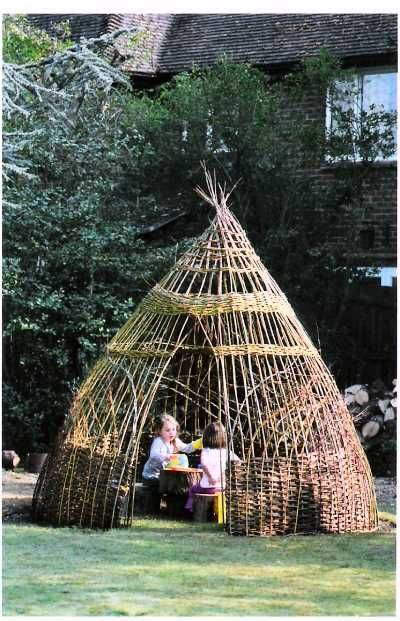 Living Willow Playhouse by Julia Mitchell, jprwillow.co #Playhouse #Willow #Garden