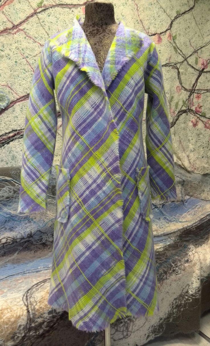 Лёгкое пальто - кардиган для прохладной весенне-летне-осенней погоды. В наличии в интернет магазине: http://www.livemaster.ru/item/15799525-odezhda-kardigan-ruchnoj-raboty-kletka-siren