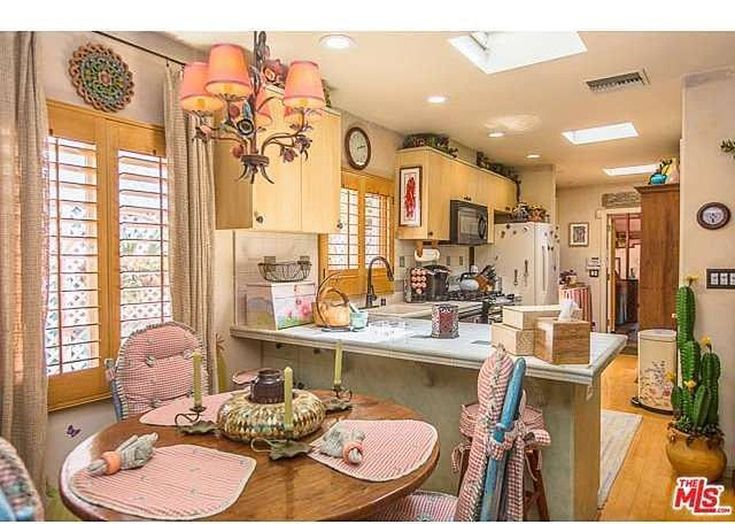 Home for sale 9060 Harland Ave Los Angeles, CA is Dolly Parton's house