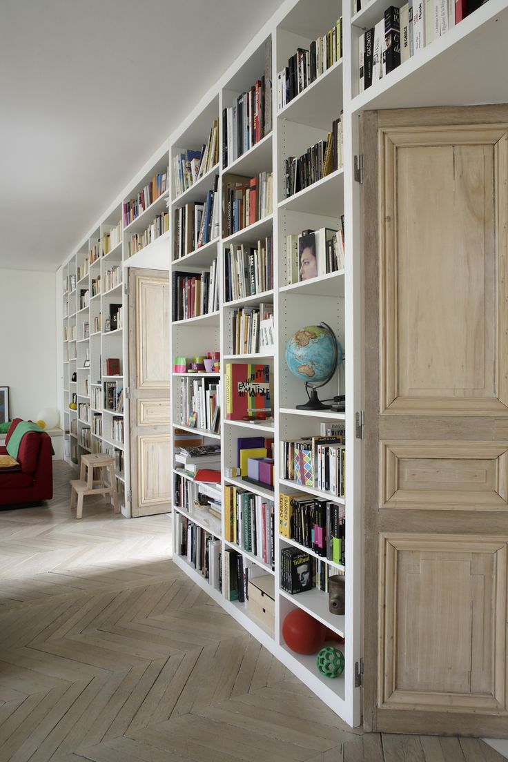 2,153 sq ft of modern color explosion in the Paris aparment of Jean and Marie…