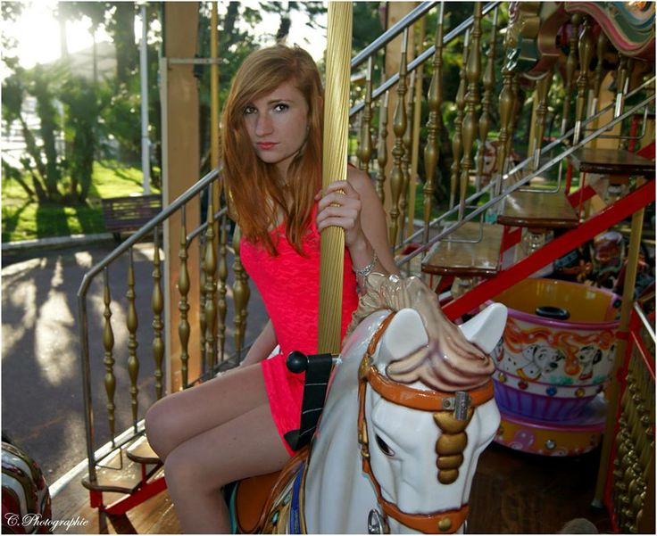 #girl #woman #women #fille #femme #lady #redhair #red #hair #rousse #rouquine #modele #mode #fashion #dress #pretty #sexy #photography #photographie #picture #roundabout #manège #horse #cheval #manege #pink #fuschia #dress #robe #fluo #flashy