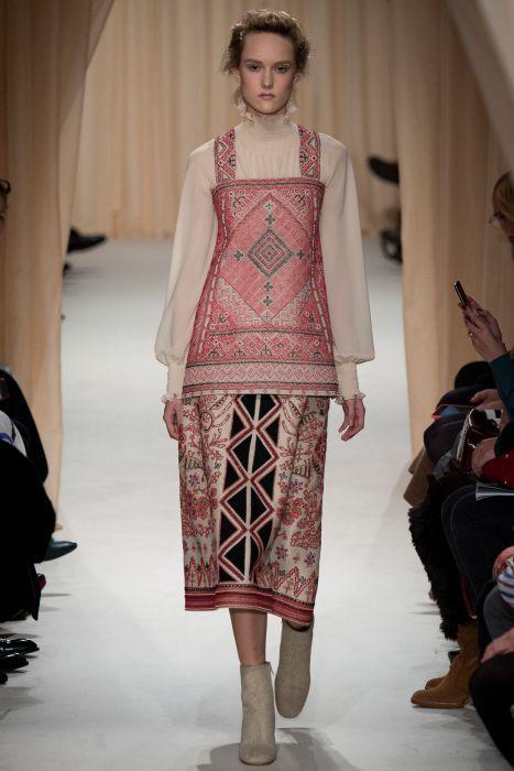 Valentino - Haute Couture Fashion Week Paris 2015