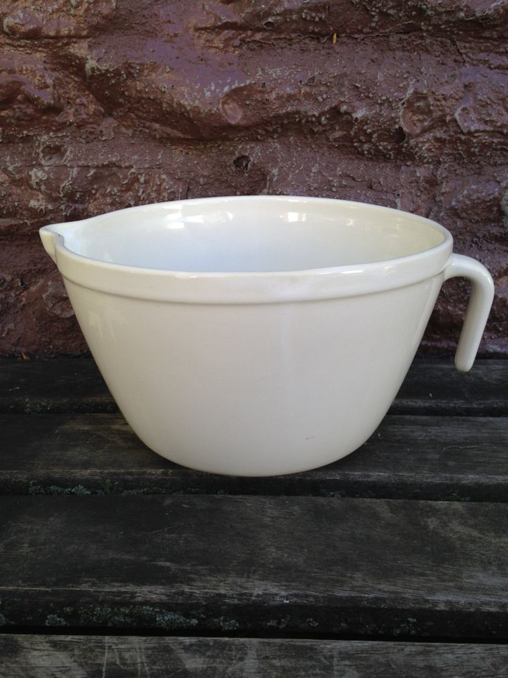 Friendship Pottery Batter Bowl Large 2 QT  Size Oven Microwave Safe Roseville Ohio Bottom Stamped / Collectible by ThePinkVintageRose on Etsy