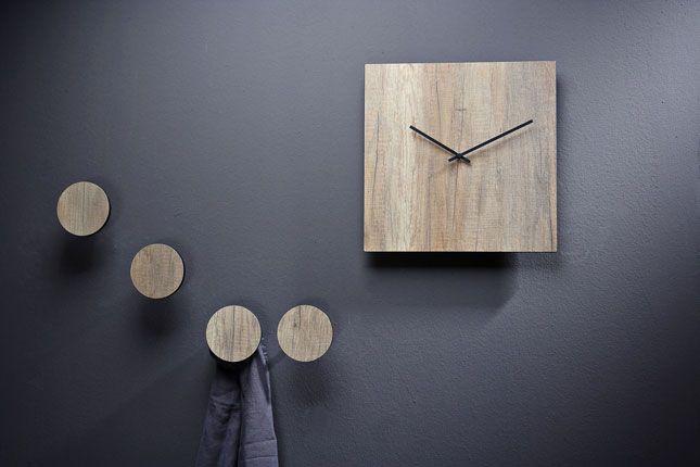 Il richiamo al #legno, elemento naturale e quasi primordiale, è la matrice della nuova collezione di Creativando   #design #clocks #wood