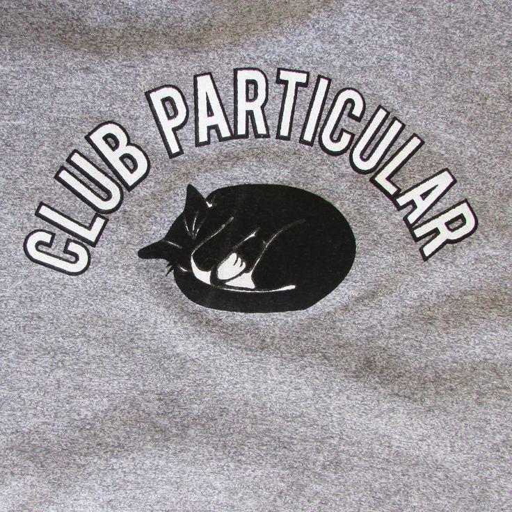 Polera Club Particular - Franela de algodón Gris deportivo Color gris  Tallas S, M, L, XL  Hola@clubparticular.com