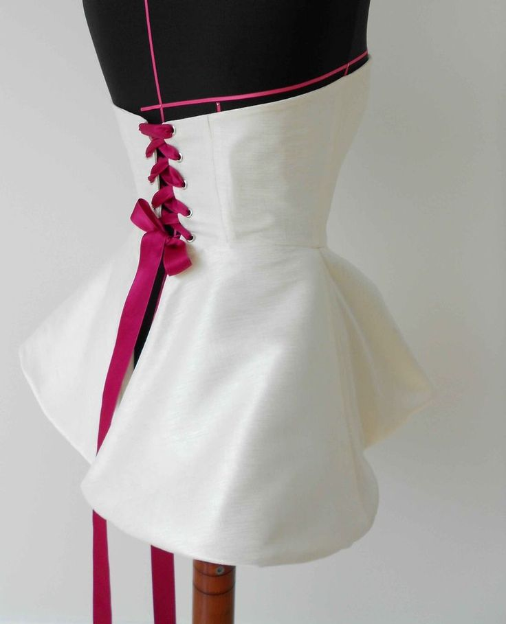 Corset Dress / Top #fashion #sewing #pattern. :: Lc- corset apron