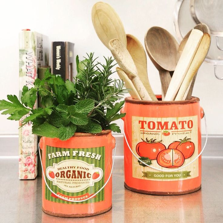 Retro Tomato and Fresh Food Vase/Pots inspired by vintage paint tins. Lg RRP $20.95 Sm $14.95. Available in stores around Australia and for wholesale customers at the Sydney Gift Fair 18-21 Feb Sydney Showgrounds Stand DK3. @agha_social #wholesale #homewares #retro #painttin #freshfood #vase #pot #herbs #larder #utencils #kitchen #familyowned