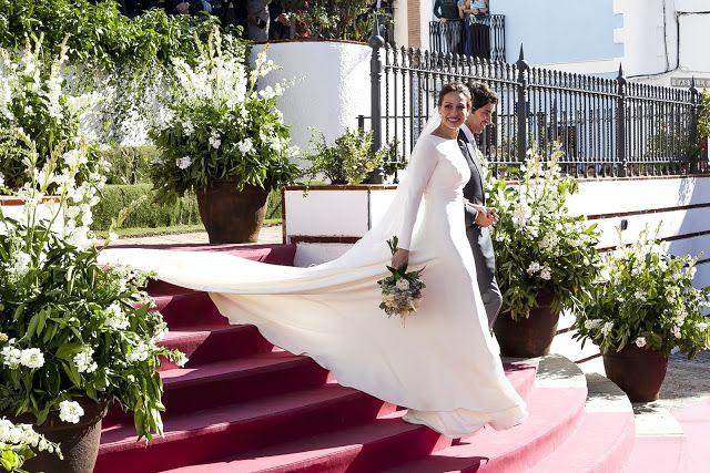 BODAS DE ALTA COSTURA: Pronovias viste a Eva González el día de su boda