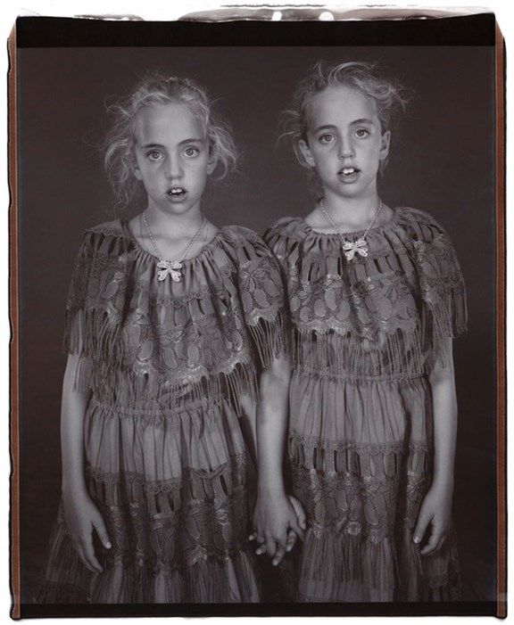 Heather and Kelsey Dietrick, 7 years old, Kelsey older by 66 minutes, Twinsburg, Ohio, 2002 Photography by Mary Ellen Mark