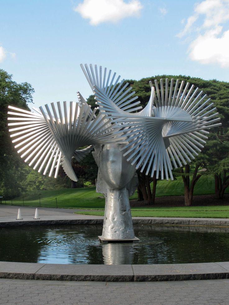 Art in the Garden :  Manolo Valdes