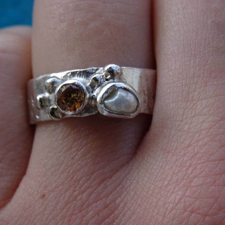 Hammered silver ring with citrine gemstone and natural pearl/ Extravagant engagement ring by RingRosa on Etsy