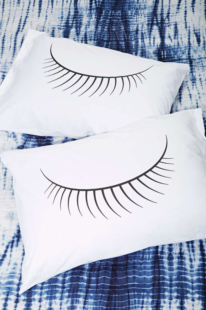 Lashed Out Pillow Case Set | Shop Sale at Nasty Gal