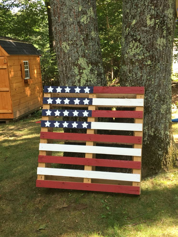 24 best images about wooden crafts on pinterest branding iron ottomans and american flag - American flag pallet art ...