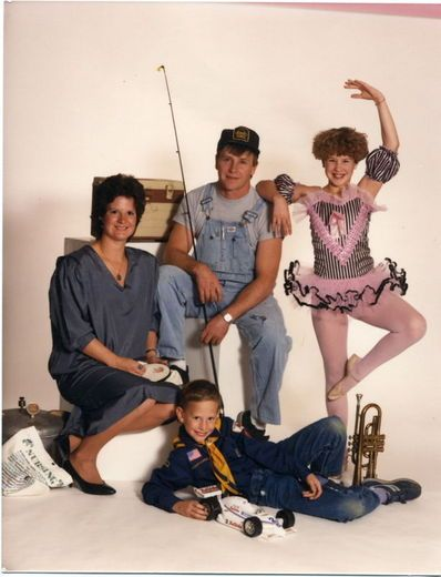 Sarah G. from Minneapolis, Minnesota sent Ellen this family photo from 1986. It looks like everyone brought their favorite hobbies, except for mom. Is that a pressure cooker?