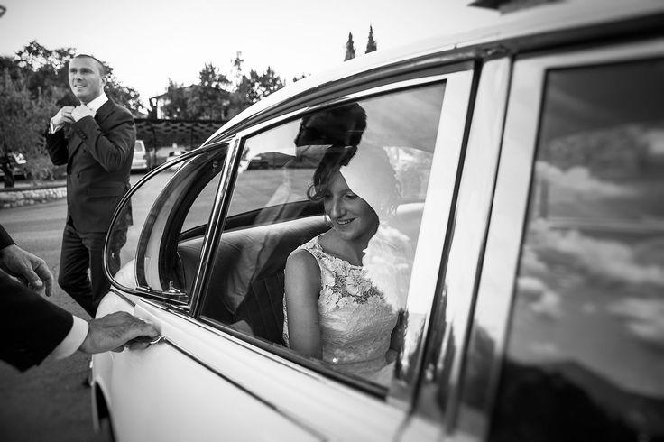 arrivo della sposa in auto d'epoca