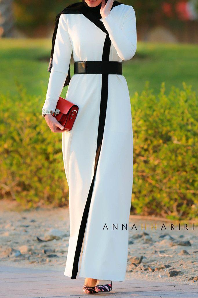 Tobe Abaya | ANNAH HARIRI | ANNAH HARIRI
