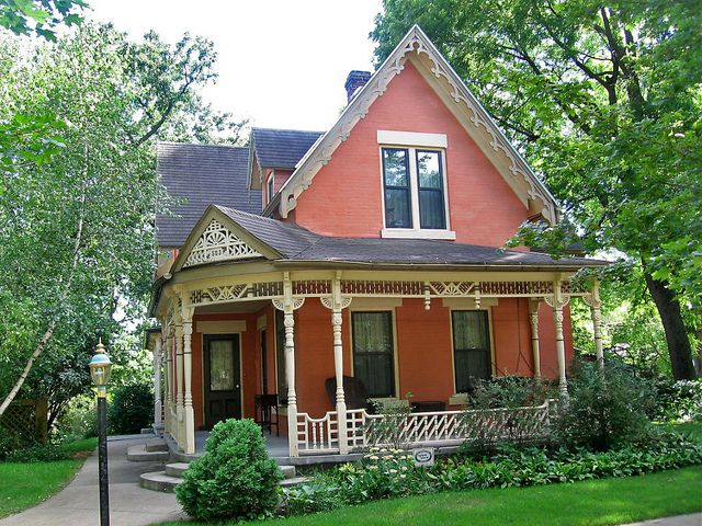 Victorian cottage house, Decorah, Iowa by Paul McClure DC, via Flickr